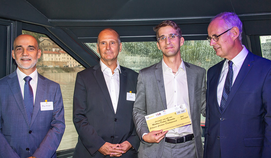Wattalps receives its prize for the national startup contest i-LAB